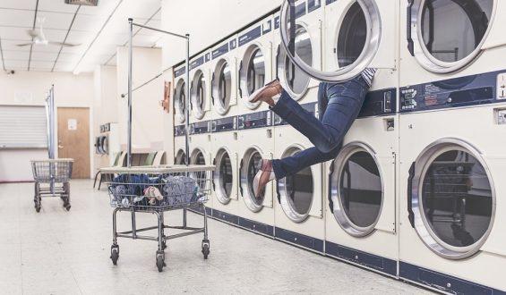 Jakie błędy najczęściej popełniamy podczas prania?